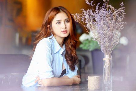 Bat ngo cuoc song hien tai cua Thao Trang tu 'hai ban tay trang' sau khi ly hon Phan Thanh Binh? - Anh 1