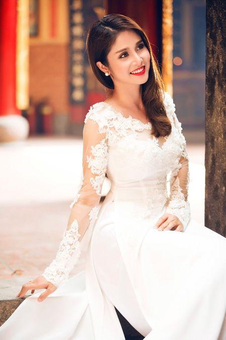 Bat ngo cuoc song hien tai cua Thao Trang tu 'hai ban tay trang' sau khi ly hon Phan Thanh Binh? - Anh 2