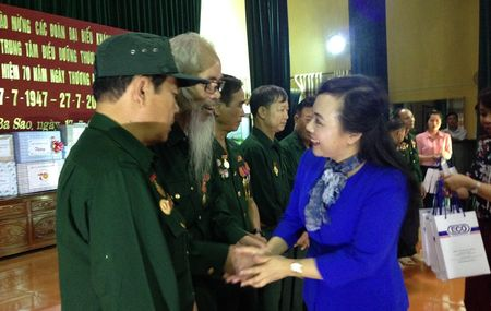 Bo truong Y te tham Trung tam dieu duong thuong benh binh tai Ha Nam - Anh 1