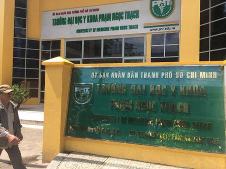 DH Y khoa Pham Ngoc Thach: Hai muc hoc phi khac nhau trong nam 2017 - 2018 - Anh 1