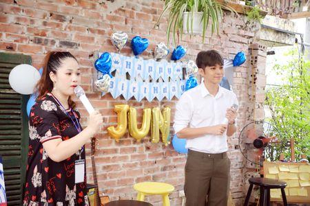 Jun Pham ke ve bi mat nu hon danh cho Thanh Duy trong 'Co gai den tu hom qua' - Anh 3