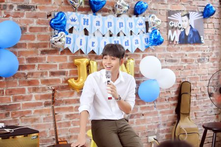 Jun Pham ke ve bi mat nu hon danh cho Thanh Duy trong 'Co gai den tu hom qua' - Anh 4
