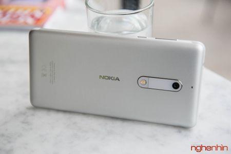 Danh gia Nokia 5: ngoai hinh ua nhin, hieu nang hoi duoi - Anh 4