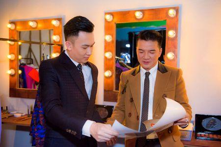 Dan sao Viet hao huc cho doi liveshow bolero hoanh trang cua Dam Vinh Hung - Anh 4