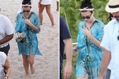 Nhung lan khoe dang nuot na nong bong cua Katy Perry voi bikini - Anh 12