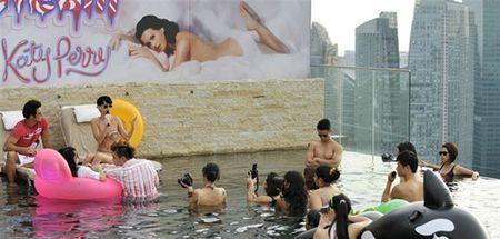 Nhung lan khoe dang nuot na nong bong cua Katy Perry voi bikini - Anh 19