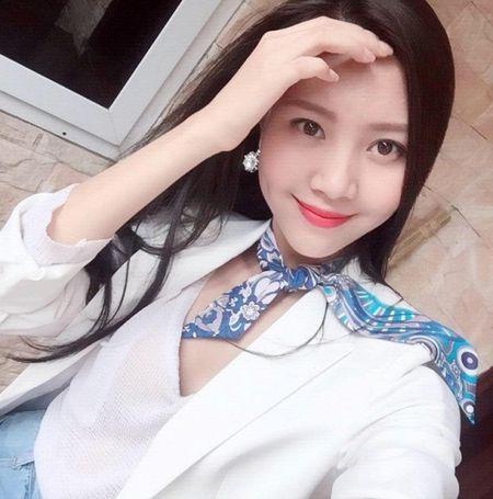 Tham gia phut chot, 'nguoi yeu Son Tung' Vu Ngoc Cham vuon len dan dau vong binh chon The Look Online 2017 - Anh 7