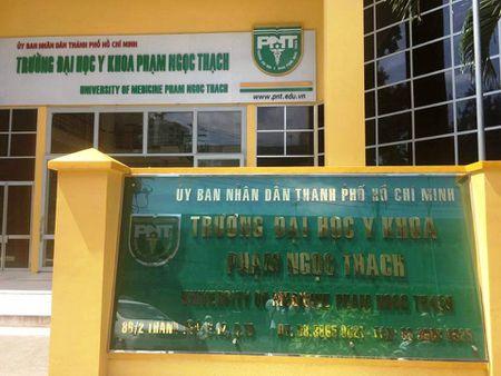 DH Y khoa Pham Ngoc Thach: Thi sinh ngoai tinh dong hoc phi cao hon thi sinh ho khau TPHCM - Anh 1