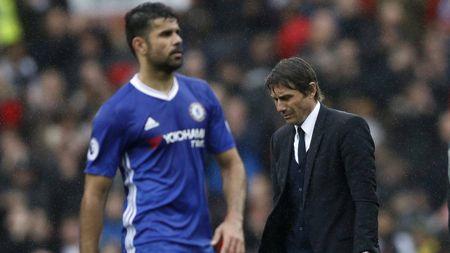 Diego Costa treu nguoi thay cu Conte bang 'cai om... xa giao' - Anh 2