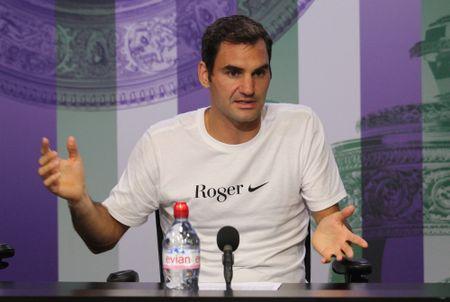Federer: 'Toi khong nghi se tro thanh huyen thoai o Wimbledon' - Anh 1