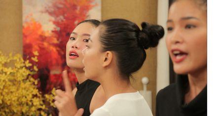 Vietnam's Next Top Model tung clip Nguyen Hop xin loi sau vu xo xat - Anh 1