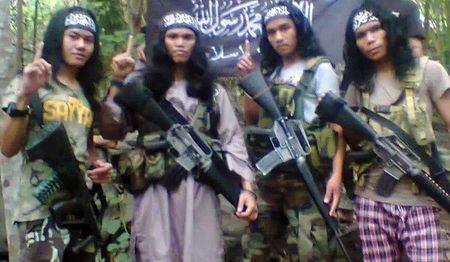 Hang loat tu nhan dinh liu Abu Sayyaf vuot nguc o Philippines - Anh 1