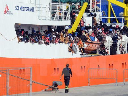 EC va Frontex thong qua bo quy tac ung xu ap dung cho cac tau cuu ho - Anh 1