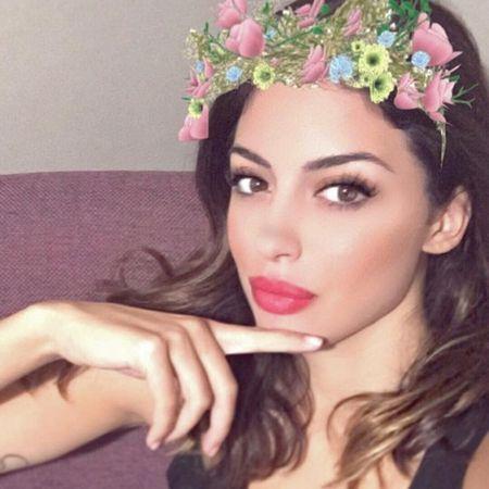 Francesca: Ban gai sieu goi cam cua Miralem Pjanic - Anh 3