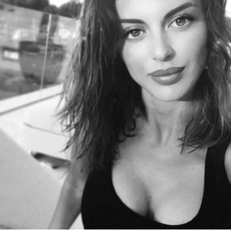 Francesca: Ban gai sieu goi cam cua Miralem Pjanic - Anh 7