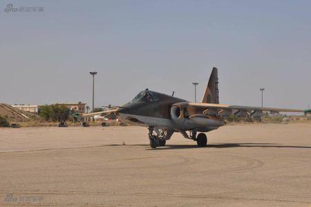 Bi an may bay cuong kich Su-25 Iran khong phu hieu - Anh 3