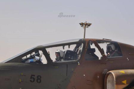 Bi an may bay cuong kich Su-25 Iran khong phu hieu - Anh 5