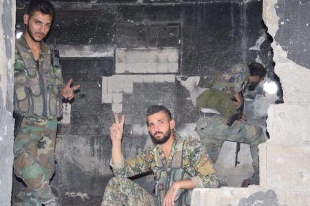 Dai thang, quan Syria hung huc khi the chien dau o Damascus - Anh 13
