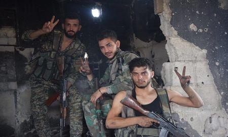 Dai thang, quan Syria hung huc khi the chien dau o Damascus - Anh 1