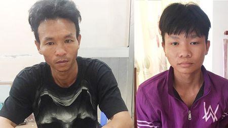 Bat 2 anh em giet nguoi, cuop cua o huyen Binh Chanh - Anh 1