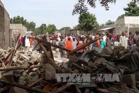 Tan cong lieu chet tai Nigeria, 23 nguoi thuong vong - Anh 1