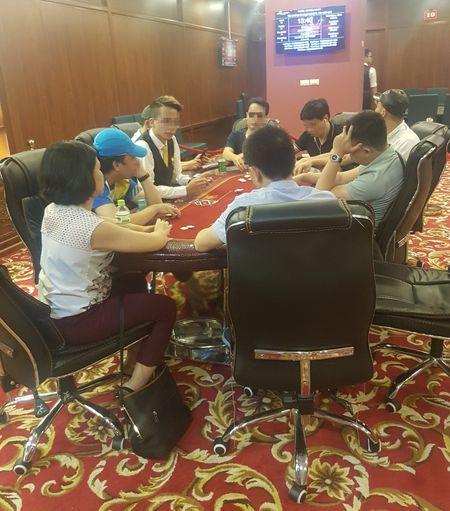 Ven man bi mat phia sau nhung giai dau Bridge & Poker (2): Treo thuong xe sang bat chap 'lenh cam' - Anh 1
