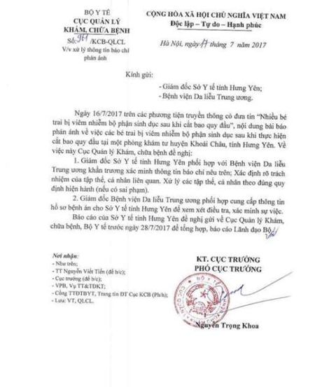 Vu 80 be trai bi sui mao ga sau khi cat bao quy dau: Cha me dan vat vi nghe theo loi truyen mieng - Anh 3