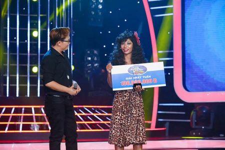 "TV Show: Thi sinh Next Top Model hat nuoc vao mat nhau, co be khiem thi ""quay"" tung san khau - Anh 13"