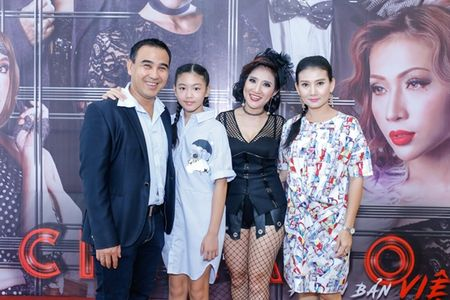 Quyen Linh tang Cat Tuong 150 trieu dong vi lam nhac kich 'thua lo', phai ban dat - Anh 3