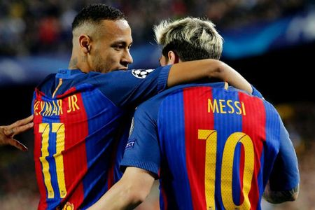 "Barca: Vi Qua bong Vang, Neymar bat dau ""ghet"" Messi - Anh 1"
