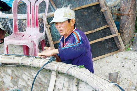 Nhan chim gan 1 trieu m3 chat thai: Chua yen tren bo lai lo duoi bien - Anh 2