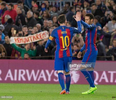 Cam canh bi Messi che mo, Neymar tinh chuyen binh bien - Anh 3