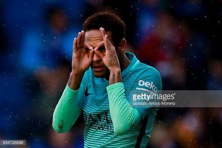 Cam canh bi Messi che mo, Neymar tinh chuyen binh bien - Anh 4
