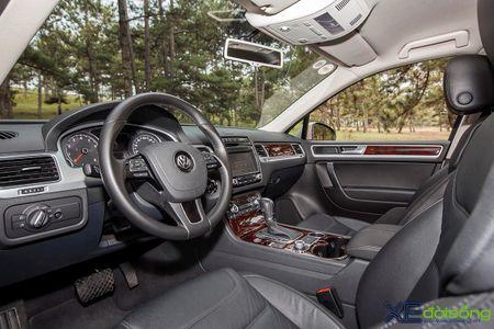 Danh gia SUV sang VW Touareg: kho co the che dang cap xe Duc! - Anh 16
