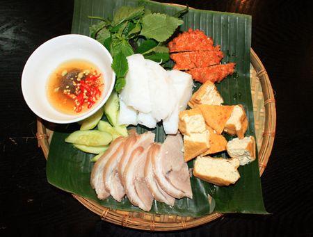 5 mon an gan san bay Tan Son Nhat duoc long du khach - Anh 1