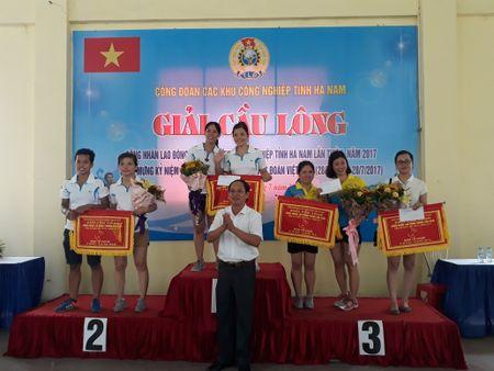 60 van dong vien du giai cau long cong nhan lao dong KCN tinh Ha Nam - Anh 1
