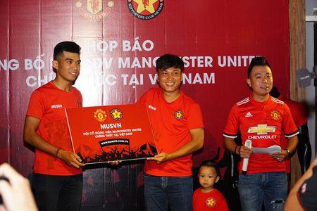 Man Utd cong nhan hoi CDV chinh thuc tai Viet Nam - Anh 1