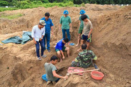 Tim thay 21 hai cot liet si tai chien khu Tam Giac Sat - Anh 1