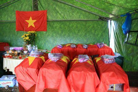 Tim thay 21 hai cot liet si tai chien khu Tam Giac Sat - Anh 3