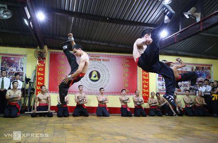 Ben trong vo duong cua Nam Huynh Dao - Anh 1