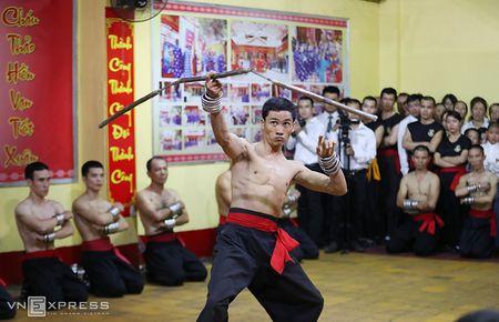 Ben trong vo duong cua Nam Huynh Dao - Anh 8