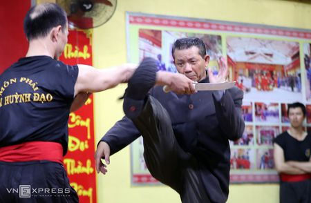 Ben trong vo duong cua Nam Huynh Dao - Anh 9