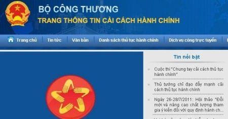 'Giay phep con': Bo truong Cong Thuong vao cuoc - Anh 1