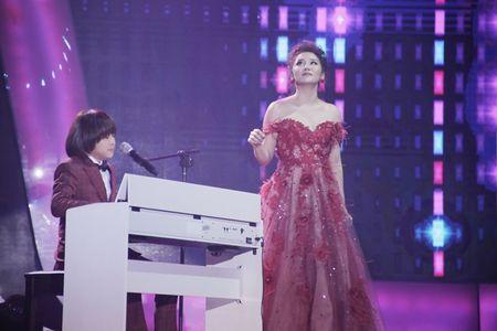 Khoe du tai le, cau be 12 tuoi gianh giai 300 trieu cua Vietnam Idol Kids - Anh 3