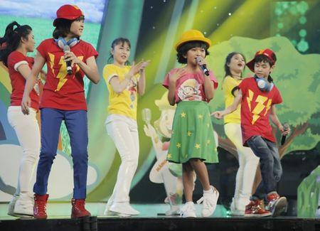 Khoe du tai le, cau be 12 tuoi gianh giai 300 trieu cua Vietnam Idol Kids - Anh 4