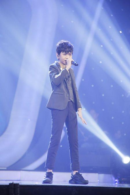 Khoe du tai le, cau be 12 tuoi gianh giai 300 trieu cua Vietnam Idol Kids - Anh 5