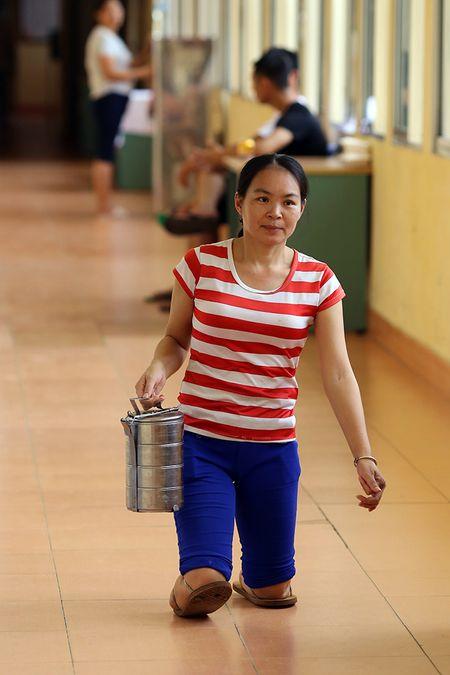 Chuyen tinh co tich vo khong chan cham chong liet giuong suot 5 nam - Anh 3