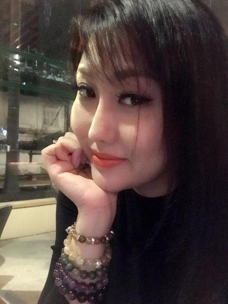 'Bong mat' vi Phi Thanh Van vay xe cao khoe 3 vong khi di su kien - Anh 10