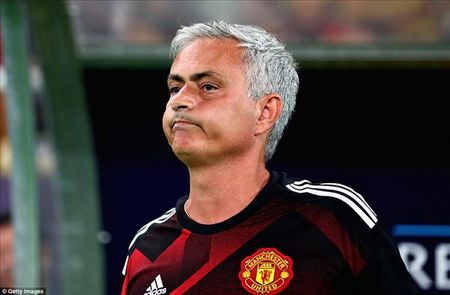 Mourinho 'yeu cau' tien ve va hau ve MU ghi nhieu ban hon nua - Anh 2