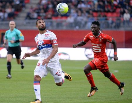 Rennes 1-2 Lyon: Show dien cua Depay va Mariano - Anh 3
